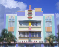 在南海滩迈阿密, FL的艺术装饰大厦 免版税库存图片