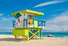在南海滩,迈阿密海滩,佛罗里达的救生员塔 免版税库存图片