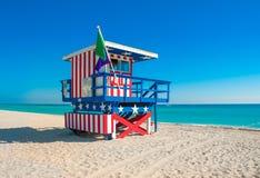 在南海滩,迈阿密海滩,佛罗里达的救生员塔 免版税图库摄影