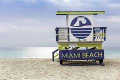在南海滩,迈阿密的救生员塔 库存图片