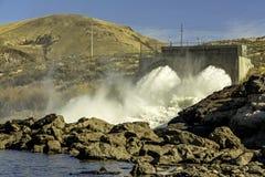 在博伊西爱达荷附近的水力发电的水坝 库存照片