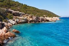 在博德鲁姆,土耳其附近的爱琴海海岸 免版税图库摄影