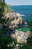 在博恩霍尔姆的岩石海岸线 免版税库存图片