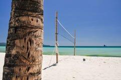 在博拉凯-菲律宾的沙滩排球网 图库摄影