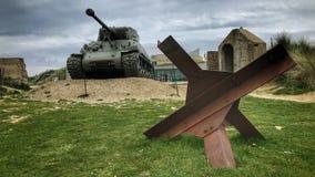 在博物馆前面的被暴露的坦克 库存照片