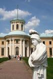 在博物馆庄园Arkhangelskoye (18世纪)的雕塑位于大约20公里对从莫斯科的西部 库存照片