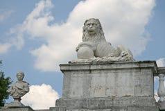 在博物馆庄园Arkhangelskoye (18世纪)的雕塑位于大约20公里对从莫斯科的西部 库存图片