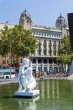 在卡塔龙尼亚广场, Francesc MaciÃ纪念品的喷泉 免版税库存图片