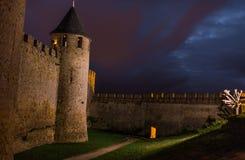 在卡尔卡松城堡的夜 免版税库存照片