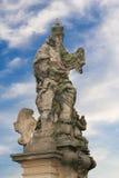 在卡尔的桥梁的雕象 免版税库存照片