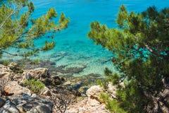 在卡斯特洛里佐岛海岛,十二群岛,希腊的地中海海岸 免版税图库摄影