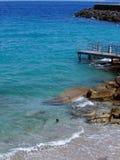 在卡普里岛海岛,意大利的绿松石水 免版税图库摄影
