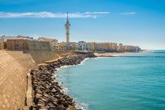 在卡迪士-西班牙的沿海岸区的看法 免版税库存照片