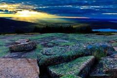 在卡迪拉克山的日落 免版税库存照片