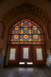 在卡里姆汗城堡的彩色玻璃在设拉子,伊朗 库存照片