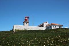 在卡巴Da Roca,葡萄牙的一座灯塔 免版税图库摄影