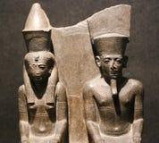 在卢克索博物馆的女王/王后和国王雕象埃及的 免版税库存照片