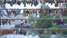 在卢布尔雅那桥梁的爱锁 影视素材