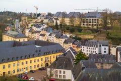 在卢森堡市部分,联合国科教文组织世界遗产名录老镇的顶视图  卢森堡市,卢森堡- 2016年4月3日 库存照片