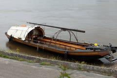 在卢瓦尔河的小船。昂布瓦斯, 免版税库存照片