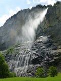 在卢达本纳谷,瑞士的瀑布 库存图片