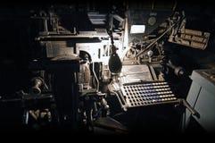 在印刷店的整行铸排机 库存图片