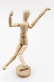 在印地安舞蹈姿势的木时装模特 免版税库存图片