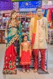 在印地安衣物穿戴的时装模特 库存图片
