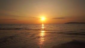 在印度人的美好的明亮的橙色日落 影视素材
