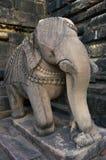 在印度寺庙的石雕塑在克久拉霍,印度。 库存图片