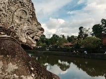 在印度寺庙的巴厘岛雕象 库存照片