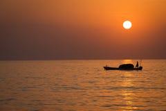 在印度洋的日出 免版税库存照片