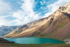 在印度spiti谷的喜马拉雅山山 免版税库存照片
