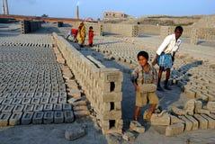 在印第安砖厂的童工 库存图片