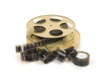 在卷轴和它的罐头10的35mm影片 库存照片