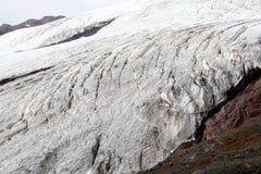 在厄尔布鲁士山的冰川 免版税库存照片