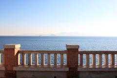 在厄尔巴岛海岛的视图从Piombino的在意大利 免版税库存图片
