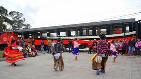在厄瓜多尔/Danza Andina en厄瓜多尔的安地斯山的舞蹈 免版税库存图片
