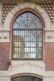 在历史工厂,在阿达河,它的Crespi的大装饰的窗口 库存图片