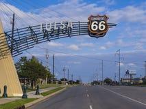 在历史的路线66的土尔沙门在俄克拉何马-土尔沙-俄克拉何马- 2017年10月17日 免版税库存照片