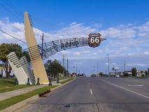 在历史的路线66的土尔沙门在俄克拉何马-土尔沙-俄克拉何马- 2017年10月17日 免版税库存图片