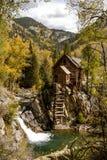 在历史的水晶磨房的秋天颜色 免版税库存图片