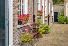 在历史的beguinage的门面在荷兰市布雷达 库存照片