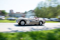 在历史的Gran Prix贝加莫的老汽车2019年 免版税库存照片