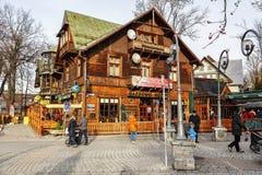 在历史建筑的Gazdowo Kuznia在Krupowki 库存图片