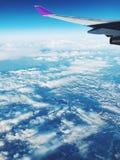 在去的飞机里面旅行 库存图片