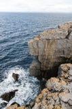 在县克莱尔海岸的峭壁  免版税库存图片