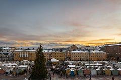在参议院正方形的圣诞节市场在赫尔辛基 免版税库存照片