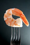 在叉子的虾 免版税图库摄影