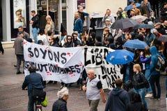 在反对Macrow la的一法国全国性天期间政治行军 库存图片